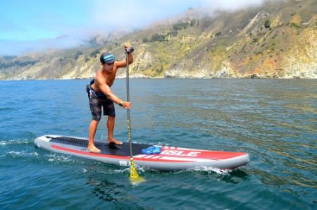 paddling isle airtech touring sup on lake