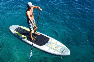 guy paddling on Isle Airtech iSUP